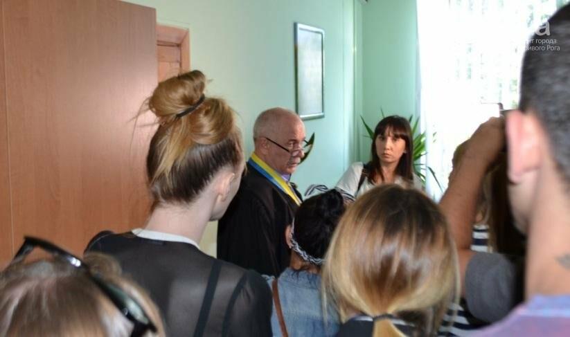 Инструктору, ранившему криворожского журналиста, суд определил 2 месяца ареста или 400 тысяч залога (ФОТО), фото-4