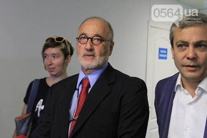 Чтобы спасти тяжело раненого криворожского журналиста, необходимо несколько миллионов (ФОТО, ВИДЕО), фото-13