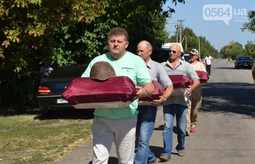 В Криворожском районе торжественно похоронили останки 63-х воинов Красной армии (ФОТО), фото-6