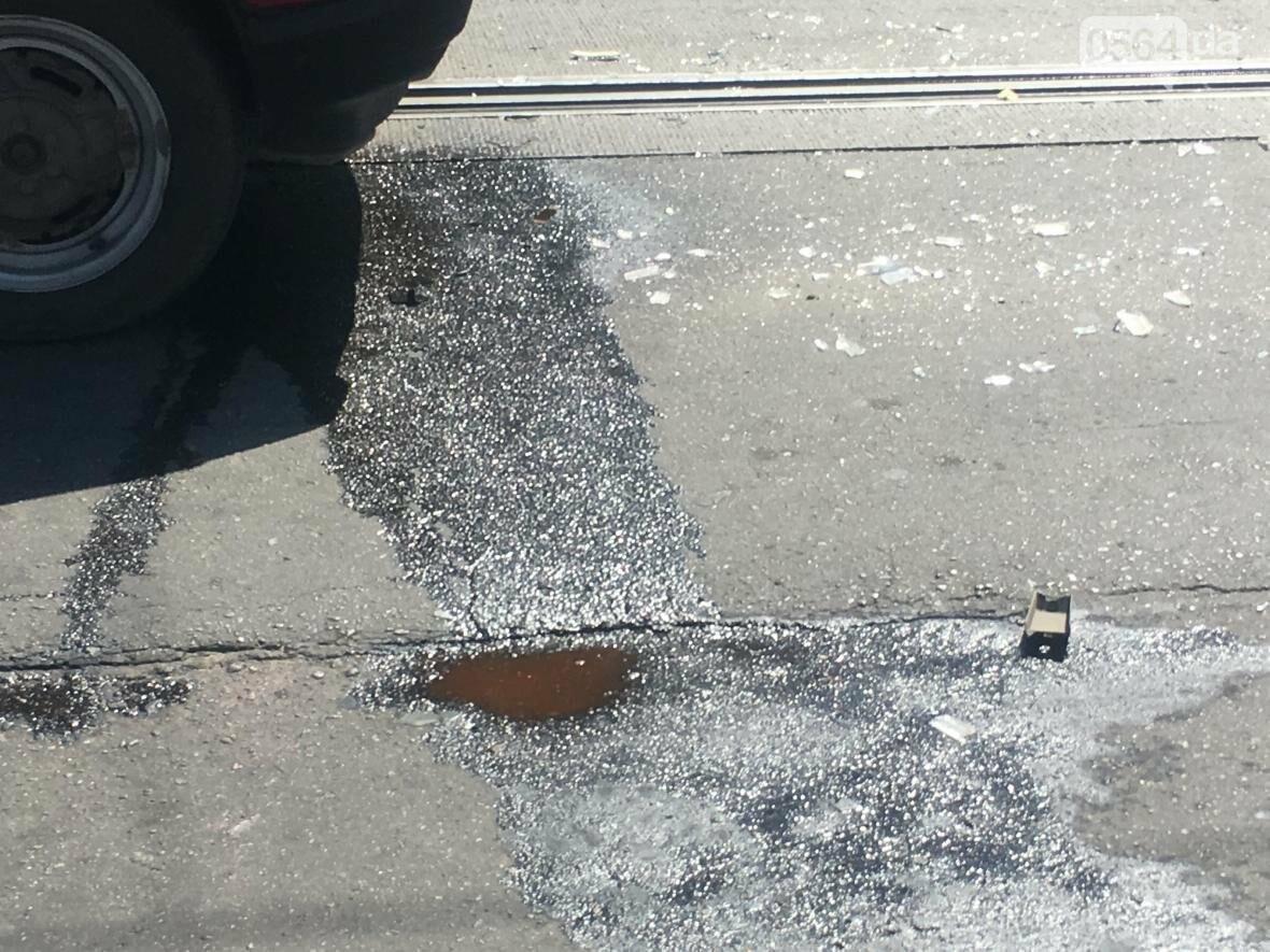 Из-за ДТП  в центре Кривого Рога было остановлено движение трамваев (ФОТО), фото-4