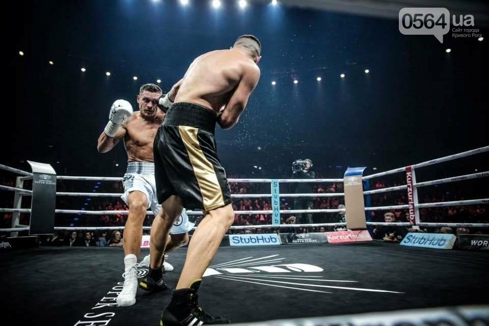 Усик нокаутировал немецкого боксера в четвертьфинале Всемирной суперсерии бокса, фото-9