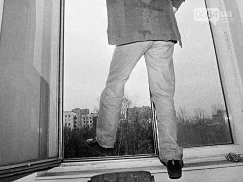 В Кривом Роге: нашли труп дедушки, заставили закрасить Сталина, возле школы ограбили ребенка , фото-1