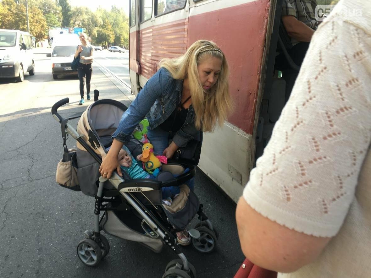 """Криворожский """"блокбастер"""": Как доехать до больницы с ребенком в коляске (ФОТО), фото-9"""