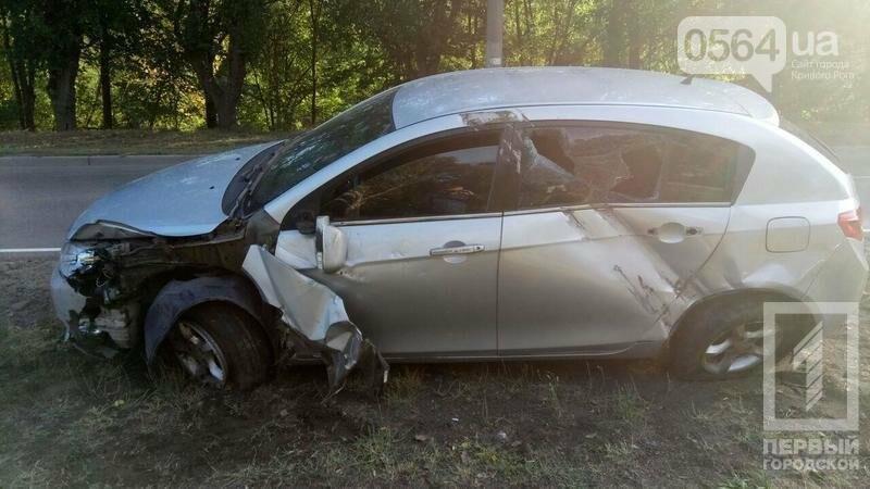 В Кривом Роге на большой скорости перевернулась иномарка (ФОТО), фото-1