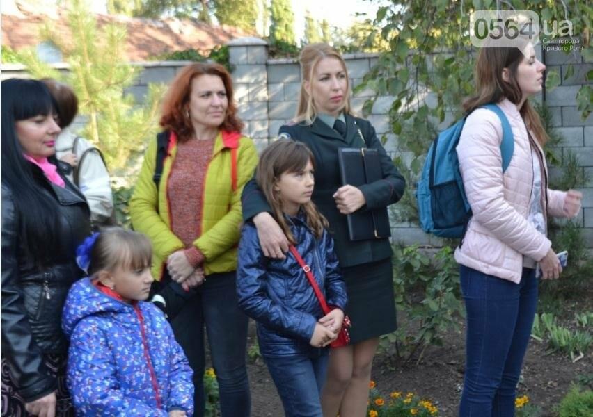 """БФ """"Каритас"""" с партнерами открыли в Кривом Роге детскую площадку (ФОТО), фото-23"""