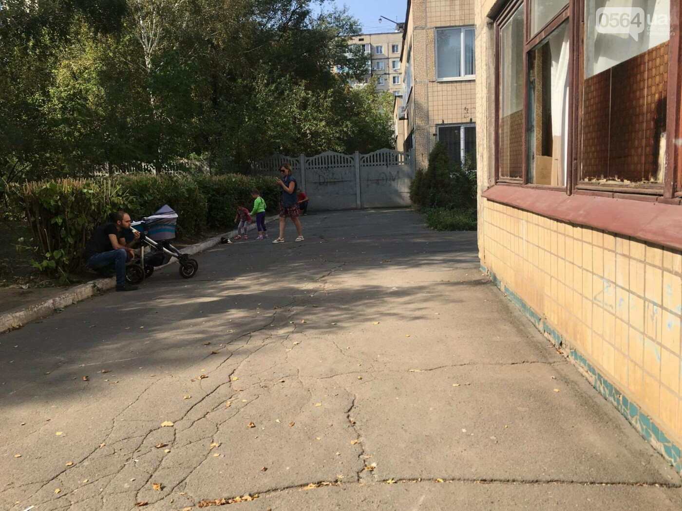 В детской поликлинике криворожане с младенцами дышат спорами грибка, ожидая в очереди (ФОТО), фото-4