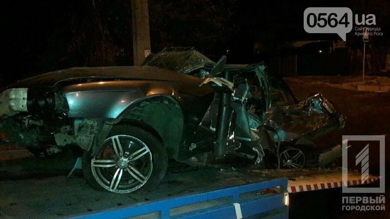 В Кривом Роге BMW  разбился всмятку о столб. Водитель выскочил до столкновения (ФОТО), фото-5