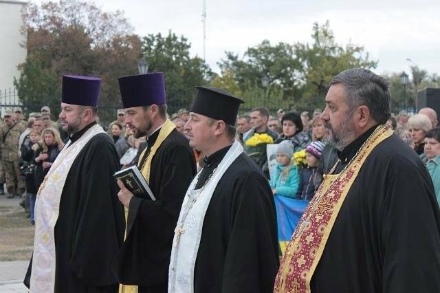 На Днепропетровщине перед открытием осквернили мемориал погибшим воинам (ФОТО), фото-6