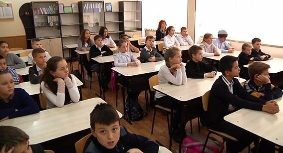На Днепропетровщине правоохранители учат школьников противостоять буллингу (ФОТО, ВИДЕО), фото-4