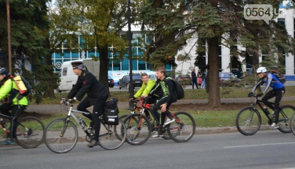 """Криворожские велосипедисты """"напугали"""" прохожих (ФОТО), фото-4"""
