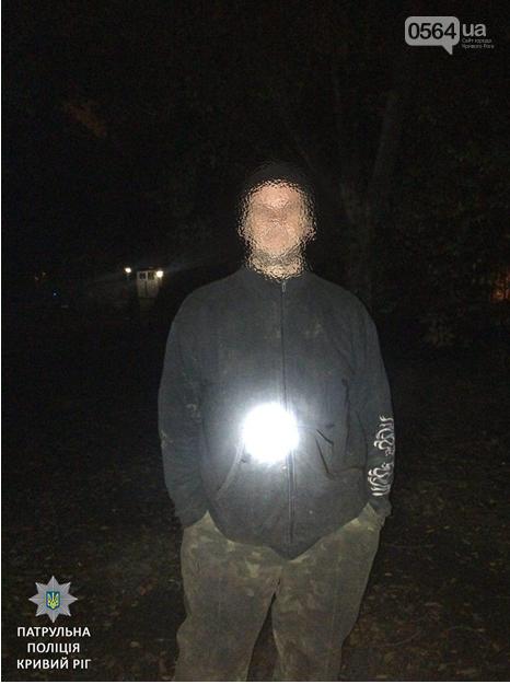 """Криворожанин попался """"на горячем"""" во время кражи кабеля из люка (ФОТО), фото-2"""