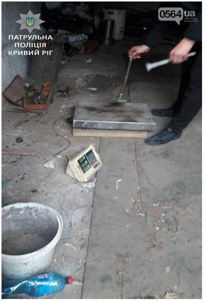 Патрульные выяснили, что криворожане незаконно принимали металлолом в гаражах (ФОТО), фото-2