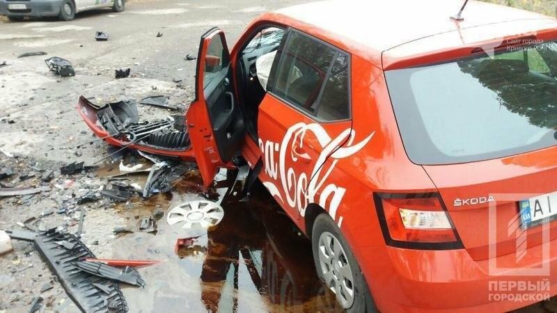 Лоб в лоб: На объездной дороге в Кривом Роге столкнулись иномарки, фото-2