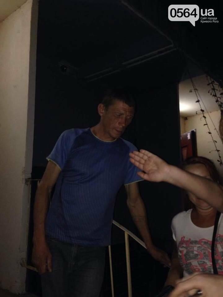 В деле о надругательстве над Флагом Украины озвучен вопрос прокурору: Почему перед судом предстал один злоумышленник (ФОТО), фото-1