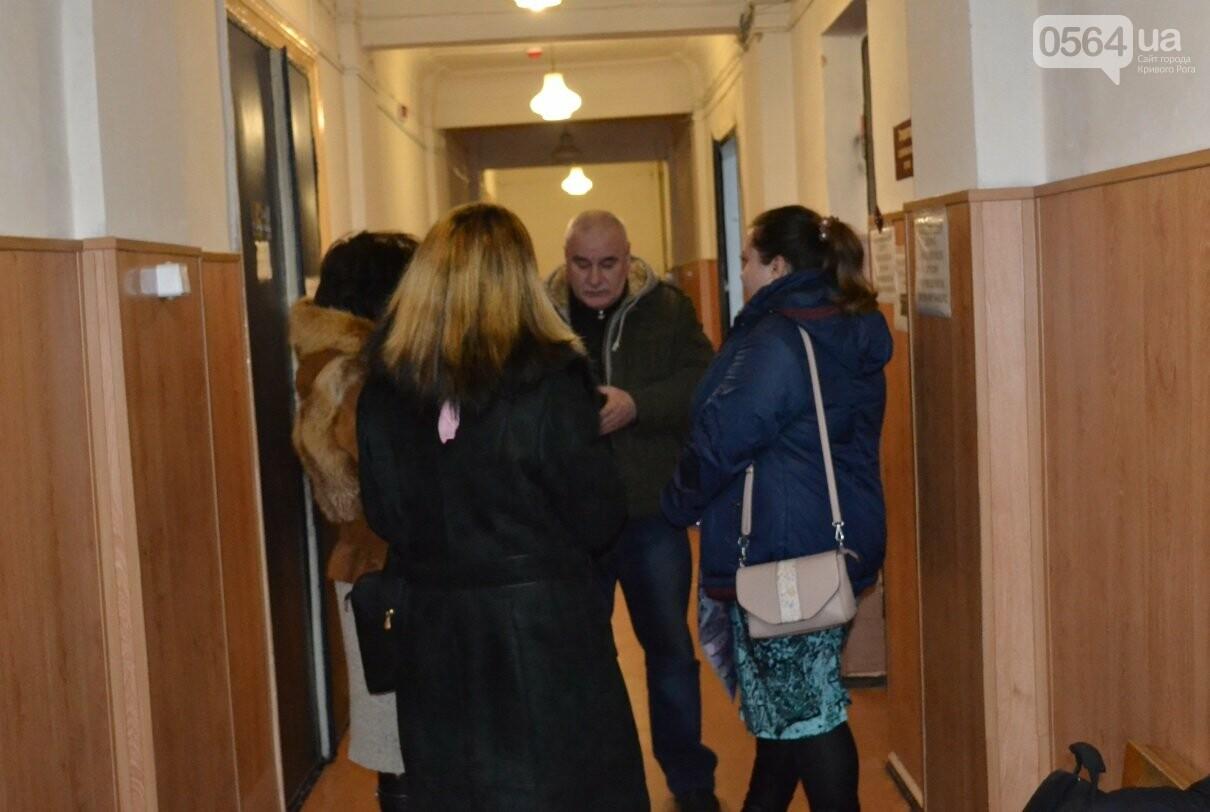 После обращения обманутых криворожан в суд прокуратура возбудила дело об автомошенниках (ФОТО, ВИДЕО), фото-6