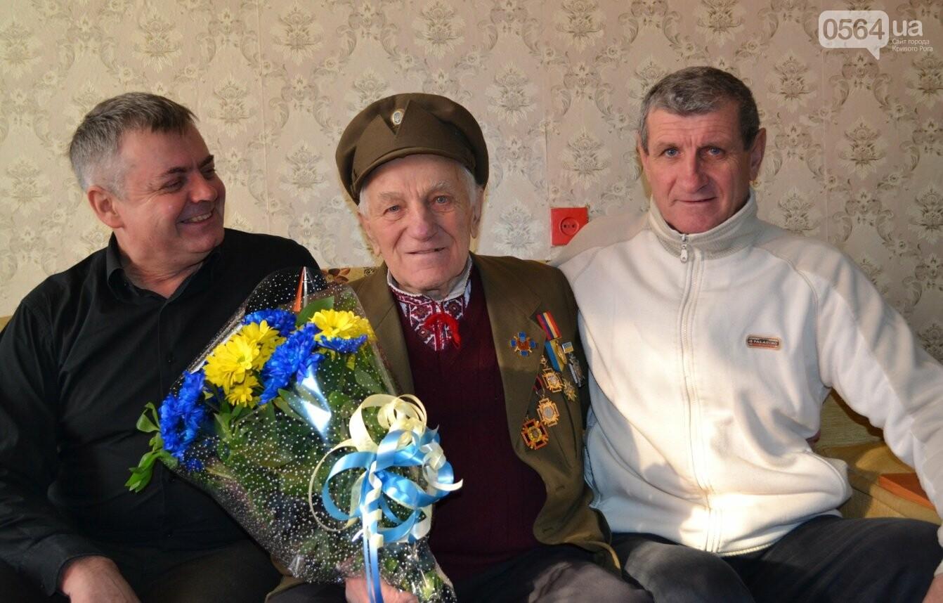 Ветеран УПА из Кривого Рога сегодня отмечает 90-летний юбилей в кругу друзей-патриотов (ФОТО), фото-2