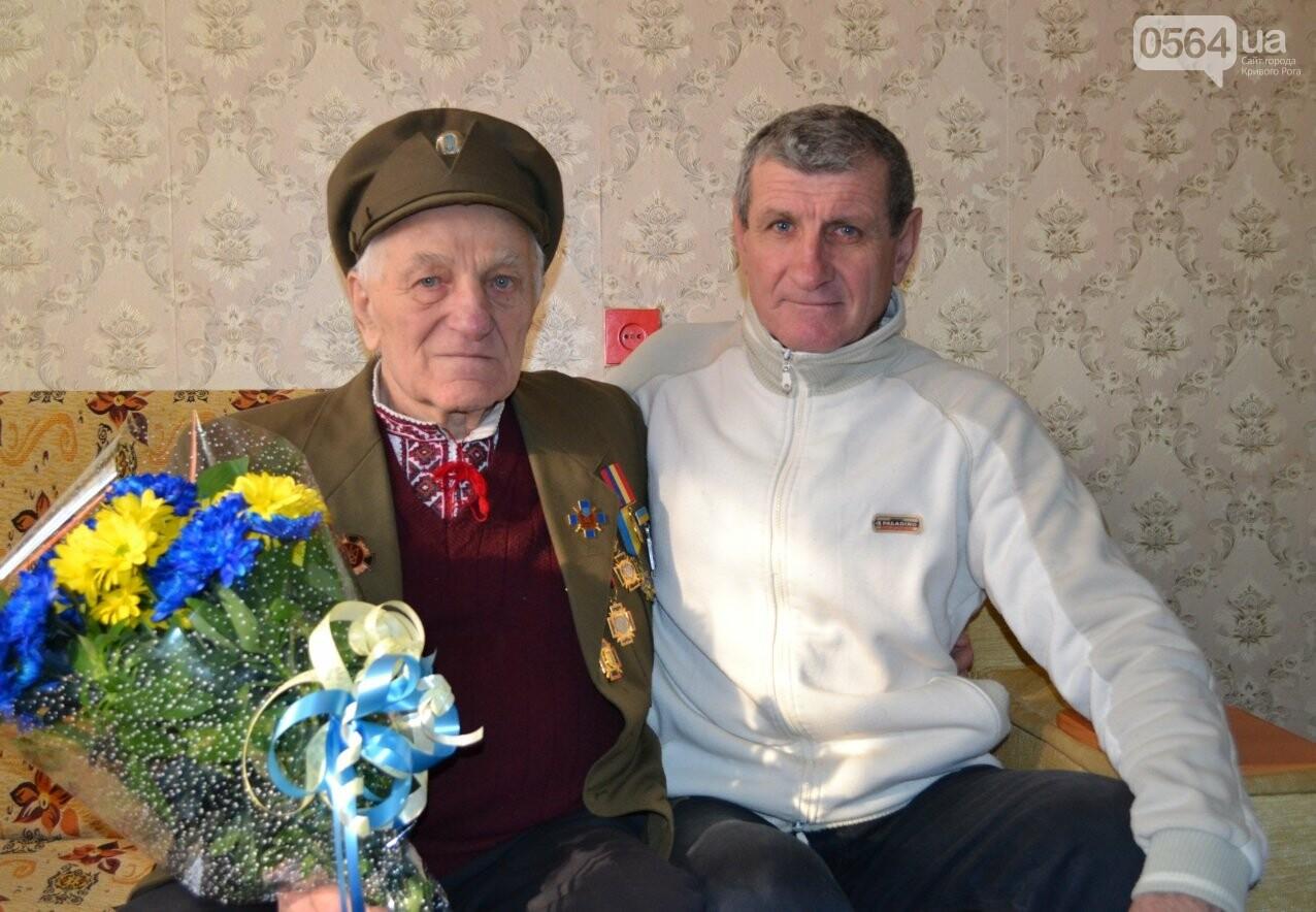 Ветеран УПА из Кривого Рога сегодня отмечает 90-летний юбилей в кругу друзей-патриотов (ФОТО), фото-3