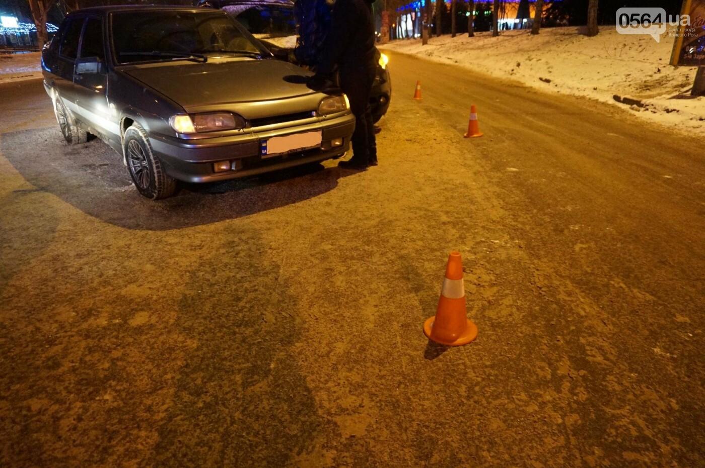 ДТП в Кривом Роге: Перед пешеходным переходом столкнулись ВАЗ и Инфинити (ФОТО), фото-6