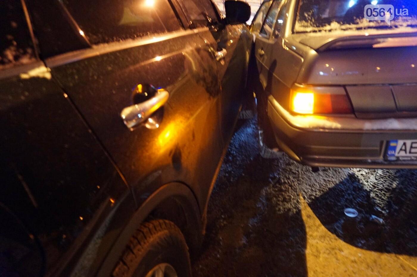 ДТП в Кривом Роге: Перед пешеходным переходом столкнулись ВАЗ и Инфинити (ФОТО), фото-7