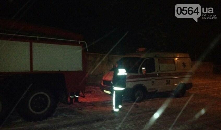 В Кривом Роге в снежный плен попал автомобиль скорой помощи (ФОТО), фото-3