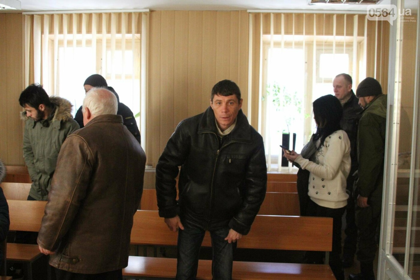 В Криввом Роге: водитель умер прямо в маршрутке, нашли труп животного без шкуры, судят осквернителя флага Украины, фото-3