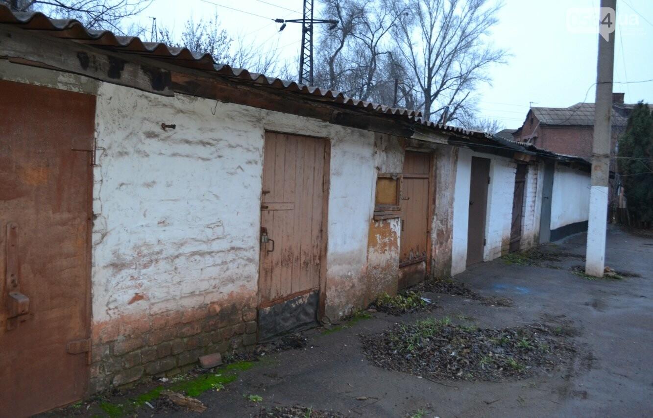 Исторический жилфонд в Кривом Роге: Дырявая кровля, два контейнера для мусора и пристанище для бомжей (ФОТО), фото-30