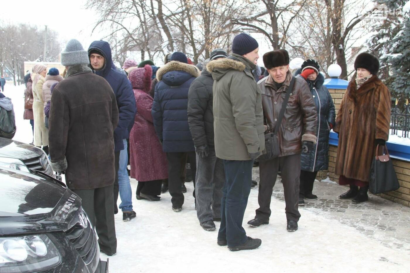 Сотрудники КривбассПВС митинговали под УВД, защищая Константина Борща (ФОТО), фото-10
