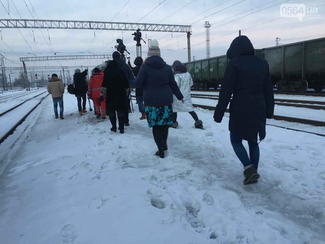 В Кривой Рог вернулся журналист Вячеслав Волк, тяжело раненый во время учений резервистов (ФОТО), фото-9
