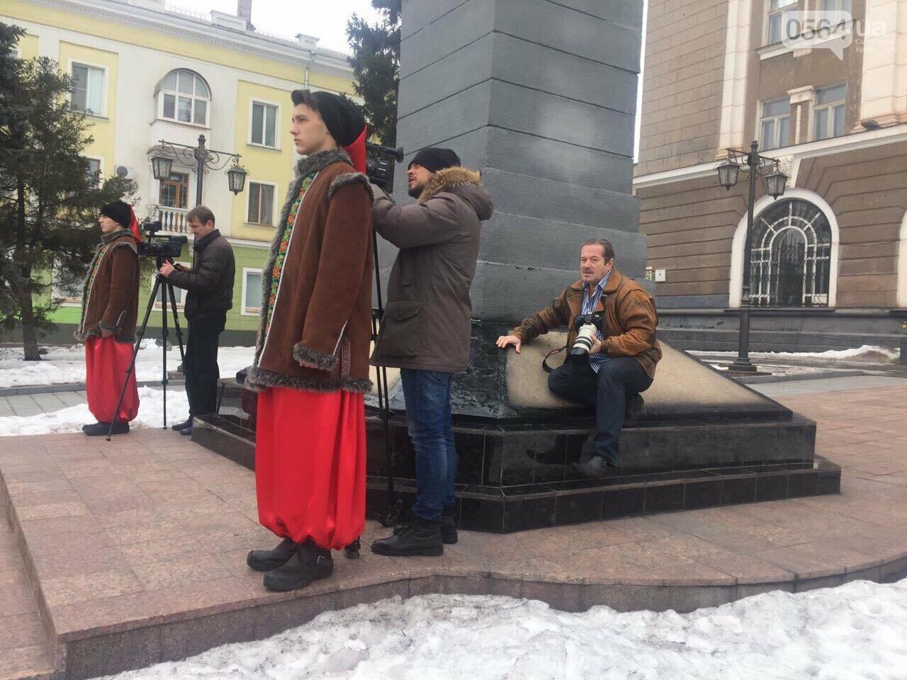 В День рождения Кобзаря криворожские чиновники традиционно пришли к памятнику (ФОТО), фото-11