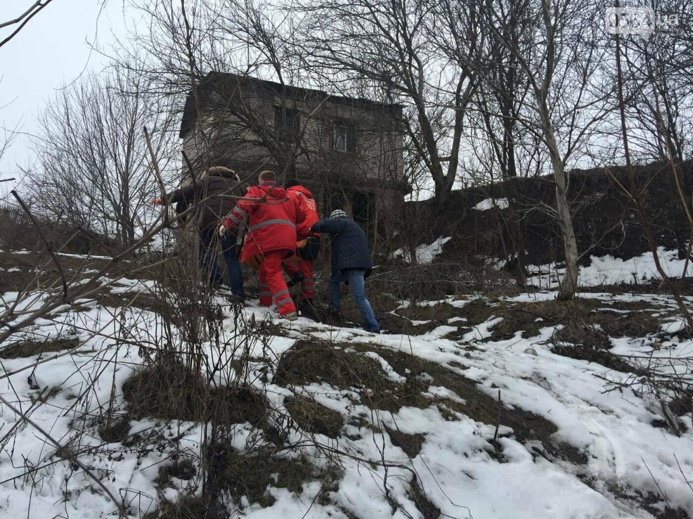 Неравнодушные жители Кривого Рога помогли в поисках мужчины, провалившегося в яму в районе станции скоростного трамвая (ФОТО), фото-5