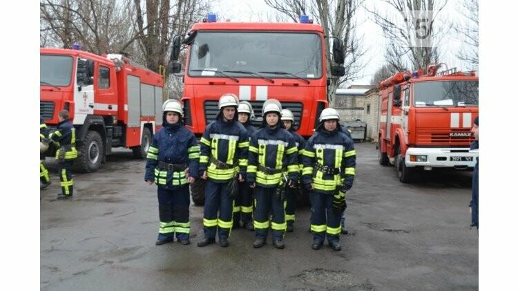 Криворожским спасателям торжественно вручили новый автомобиль и спецодежду (ФОТО), фото-2