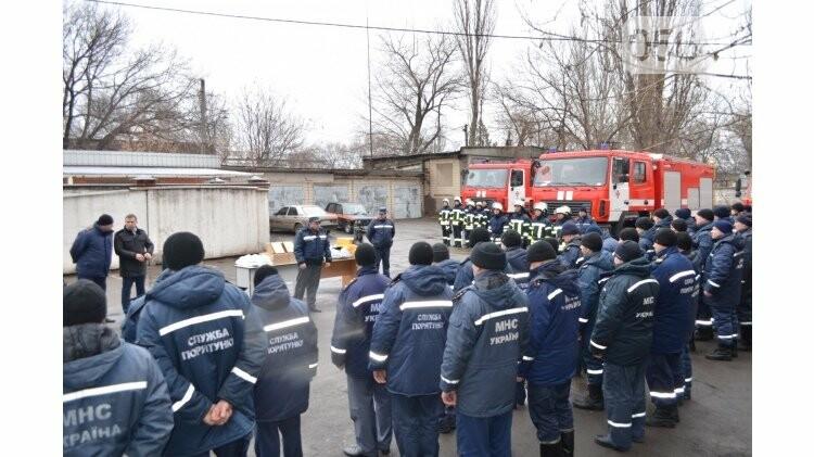Криворожским спасателям торжественно вручили новый автомобиль и спецодежду (ФОТО), фото-3