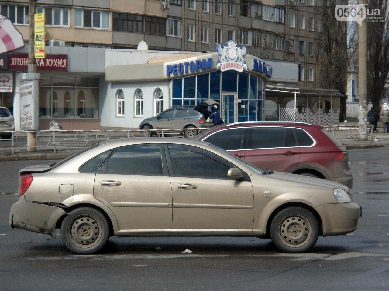 "ДТП в Кривом Роге: на светофоре  ""Kia""  влетел в ""Chevrolet"" (ФОТО), фото-1"