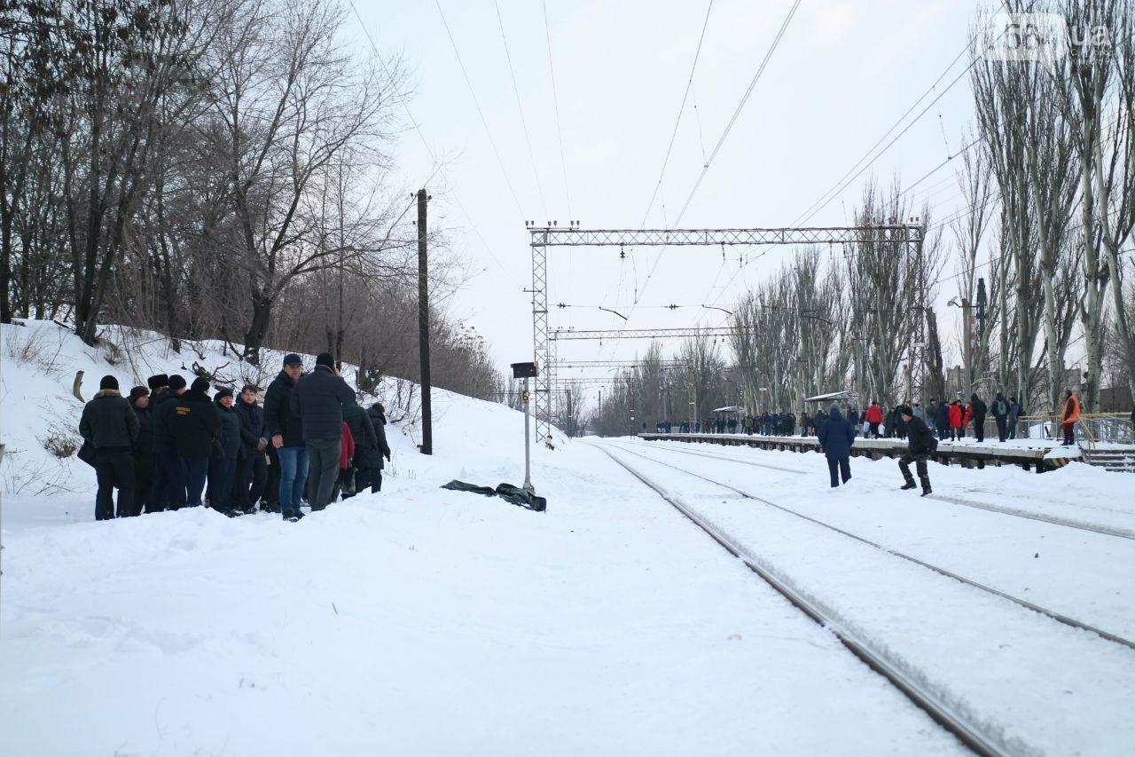 На Днепропетровщине двое мужчин попали под дизель. Один умер на месте (ФОТО), фото-4