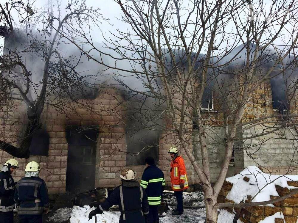 В Кривом Роге в частном двухэтажном доме возник масштабный пожар (ФОТО), фото-3