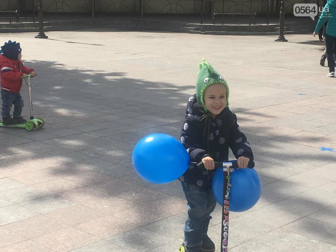 В Кривом Роге проходит акция ко Всемирному дню распространения информации о проблеме аутизма (ФОТО), фото-7