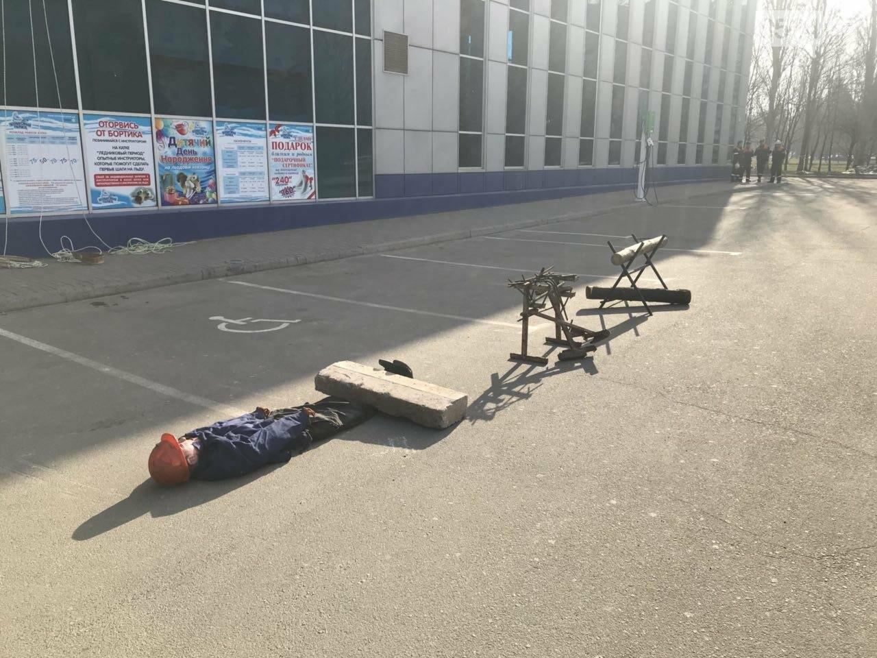 В Кривом Роге спасатели тренировались тушить пожар в ТРЦ  (ФОТО, ВИДЕО), фото-12