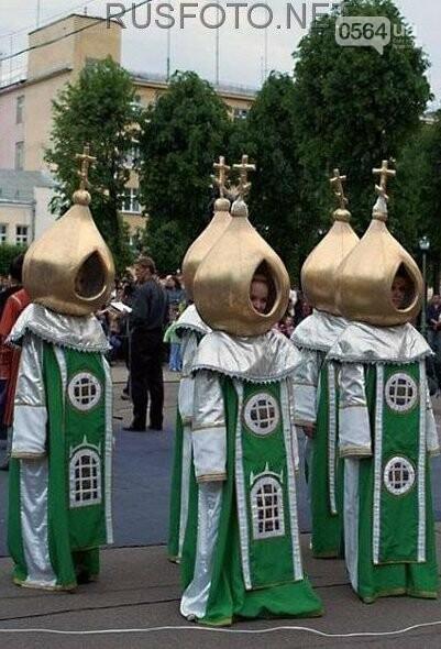 """Купола на головах: Криворожан шокировал """"полет дизайнерской мысли""""  в костюмах девушек-церквей (ФОТО), фото-5"""
