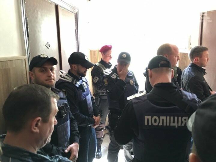Сегодня определят меру пресечения для подозреваемого в смертельном ДТП. Его доставили в суд (ФОТО), фото-1