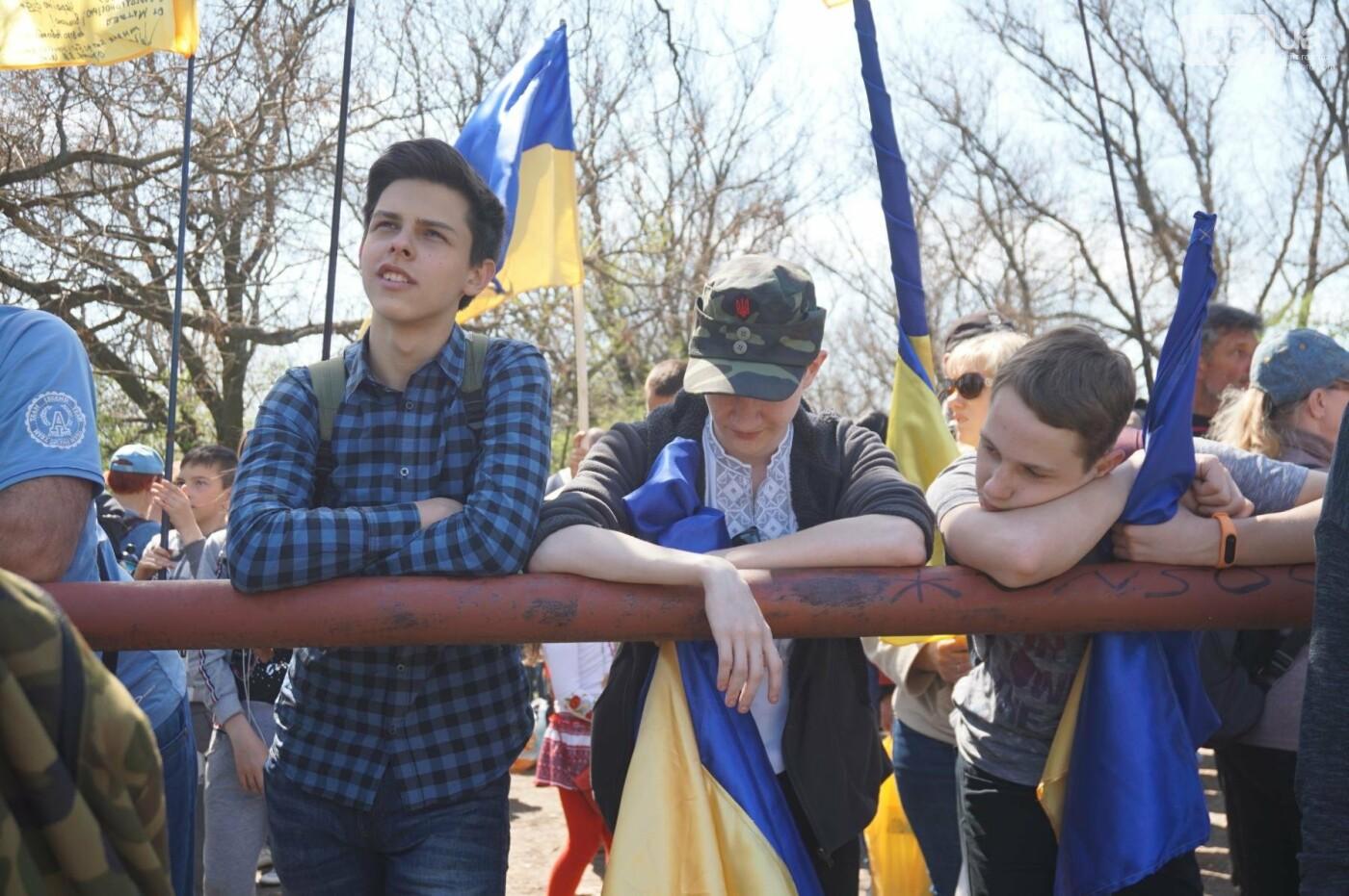 Как криворожане высаживали на Хортице дубраву в память о погибших Героях (ФОТО, ВИДЕО), фото-26