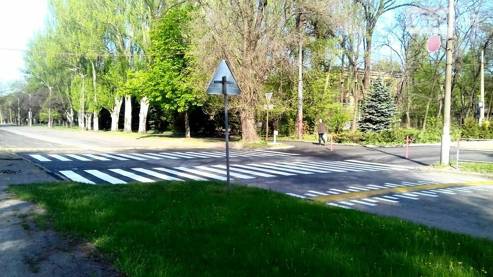 После смертельного ДТП в Кривом Роге проезжую часть рядом с местом аварии обезопасили (ФОТО), фото-3