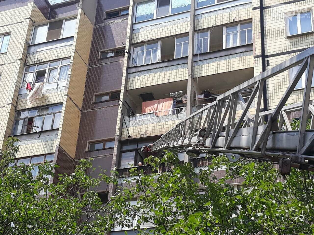 Один дома: В Кривом Роге 4-летний мальчик оказался запертым на балконе 6 этажа, - ФОТО, ВИДЕО, фото-2