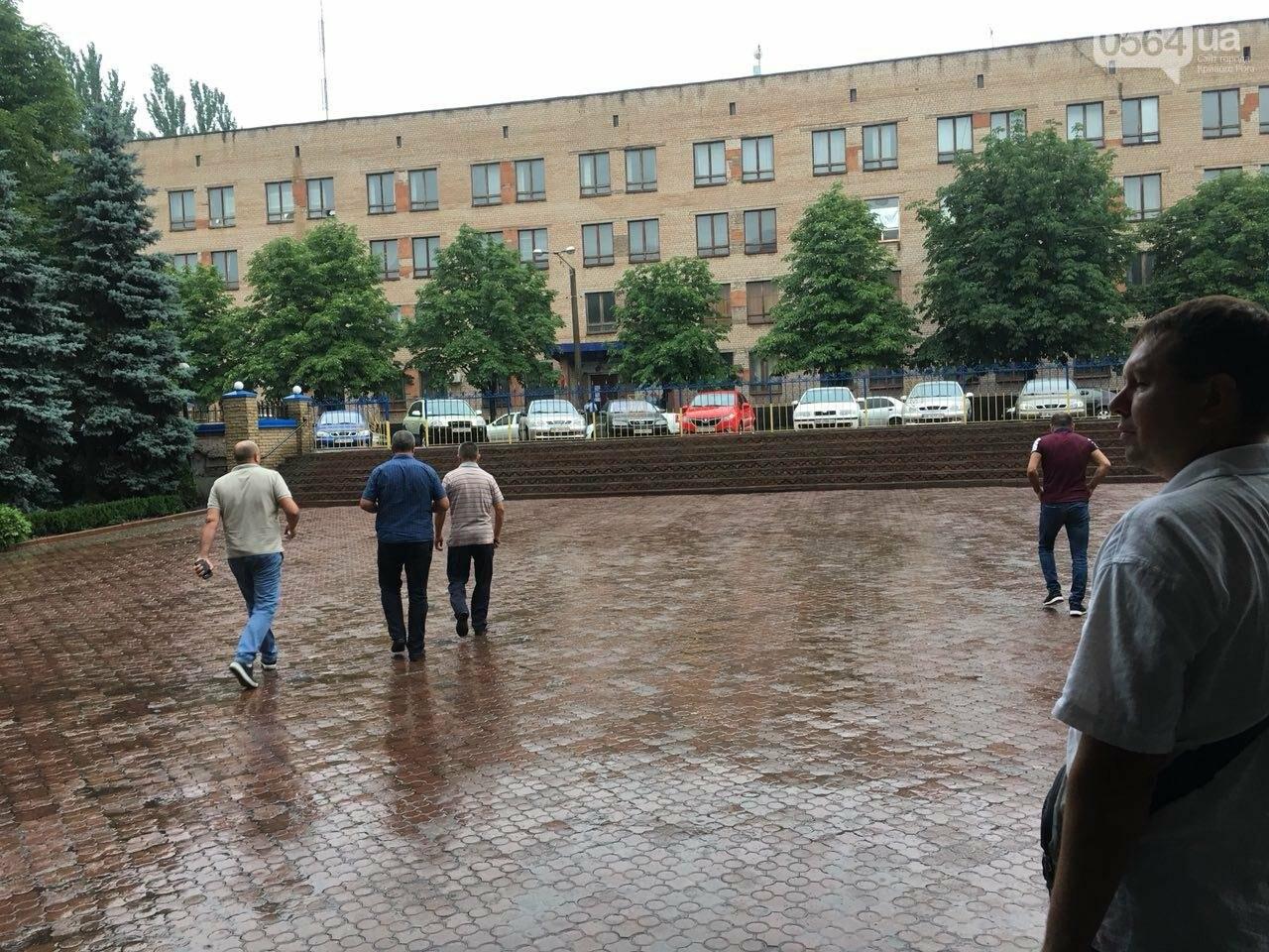В Кривом Роге представители азербайджанской диаспоры требуют расследования нападений на их дома, - ФОТО , фото-9