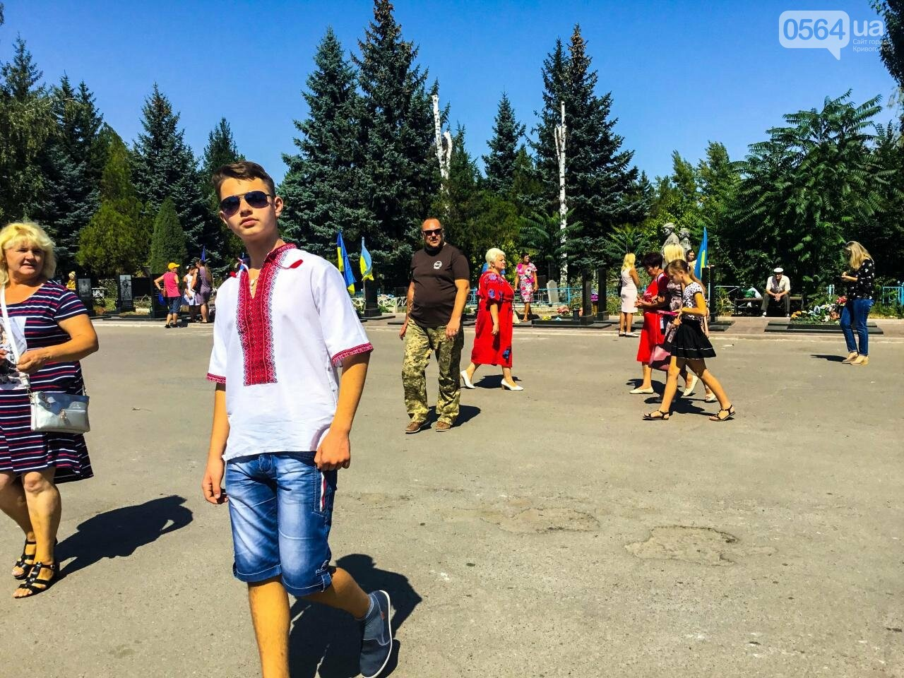 На Аллее Героев провели панихиду по погибшим в зоне АТО криворожанам, - ФОТО , фото-2