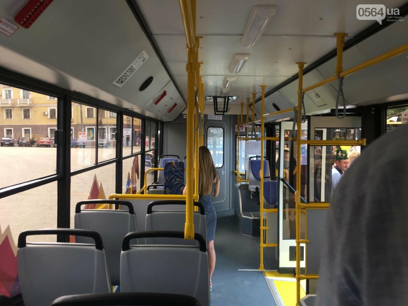 В Кривом Роге выпустили на линию новые троллейбусы и уже думают, как и сохранить их белыми и чистыми, - ФОТО, ВИДЕО, фото-25