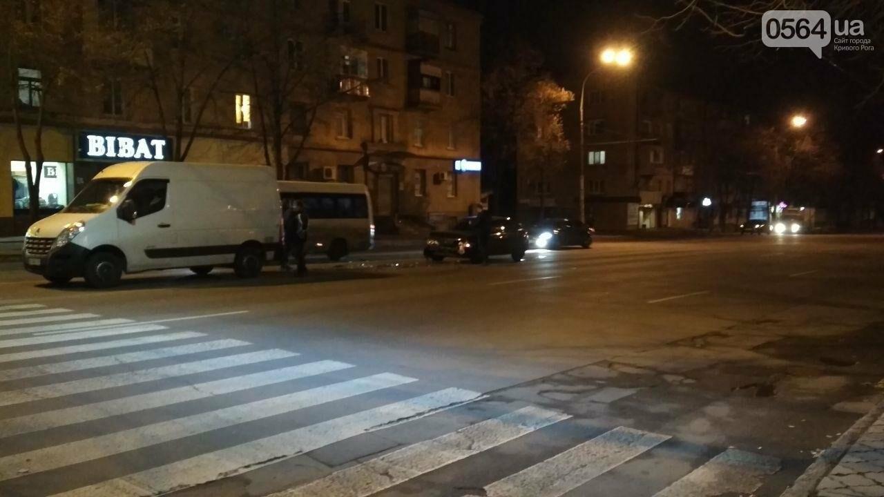 Пропуская пешехода, в Кривом Роге столкнулись два автомобиля, - ФОТО , фото-5