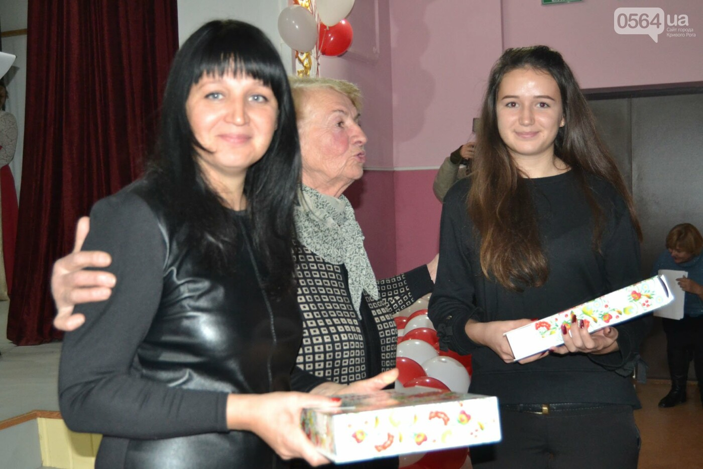 Душистый каравай и партбилеты для всей семьи, - как отмечали День Криворожского района, - ФОТО, фото-8