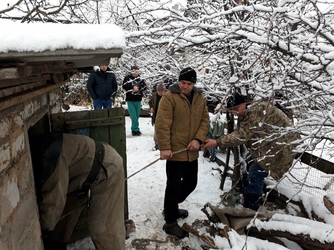 Под Кривым Рогом 80-летняя старушка провалилась в 5-метровый колодец, - ФОТО , фото-1