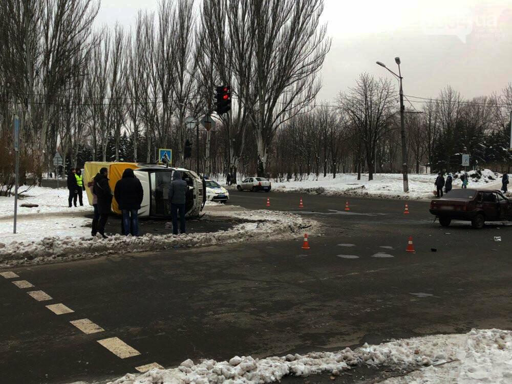 В Кривом Роге перевернулся и загорелся грузовик: пострадали 4 человека, - ФОТО , фото-18