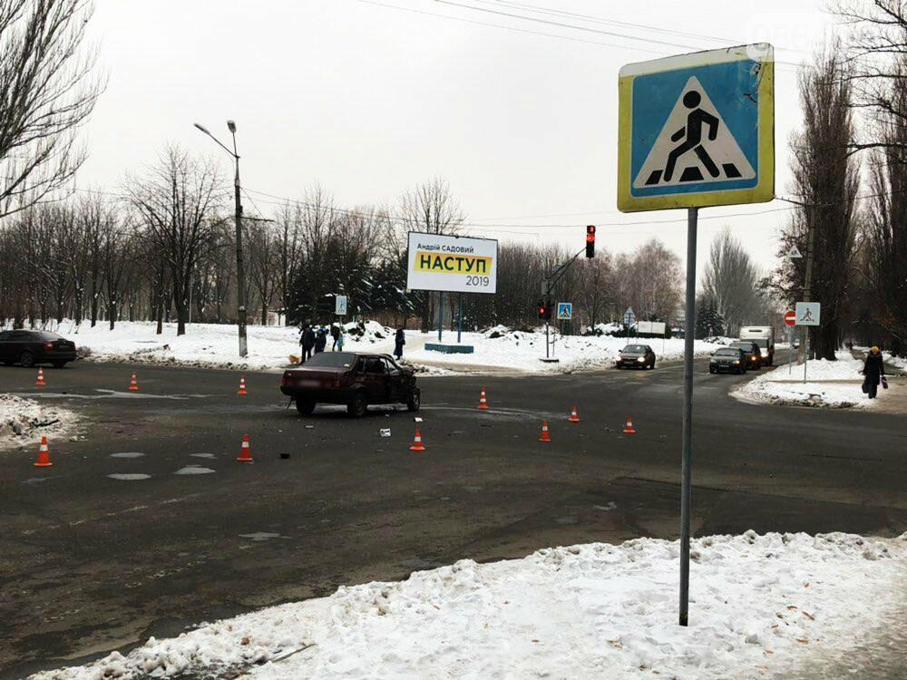 В Кривом Роге перевернулся и загорелся грузовик: пострадали 4 человека, - ФОТО , фото-19